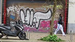Idiot / Ixelles - 2 apr 2016 (Ferdinand 'Ferre' Feys) Tags: brussels streetart graffiti idiot belgium belgique belgi bruxelles urbanart graff brussel graffitiart idio bxl artdelarue urbanarte
