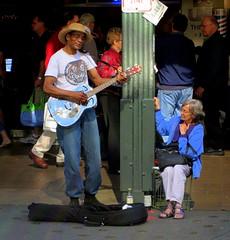 guitar man (D G H) Tags: seattle street downtown guitar sidewalk pikeplacemarket busker pikeplacepublicmarket daveheston