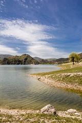 lago del turano (ROSSANA76 Getty Images Contributor) Tags: panorama verde alberi lago italia nuvole natura cielo acqua prato borgo spiaggia paesaggio lazio turano rieti abbandonato antuni
