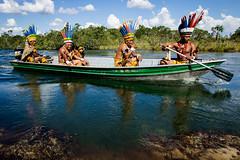 Barco no Rio Verde (Jr Silgueiro) Tags: brasil natureza indios turismo cachoeira cultura matogrosso passeio aventura indigena paresi parecis utiariti juniorsilgueiro camponovodosparecis