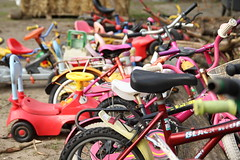 parking lot (emmerrrrrrr) Tags: kids rusty bikes plastic bycicles kinderfiets