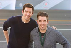 drew and jonathan scott (Karol Franks) Tags: ca scott twins jonathan drew pasadena roseparade hosts hgtv propertybrothers