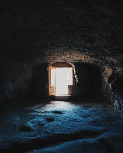 В скале In rock  #vardzia #cave #door #light #Georgia #travel #vsco #vscocam #vscogrid