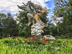 IMG_9728.jpg (Pete Finlay) Tags: bali statue indonesia id melody bedugul hindustatue baturiti balibotanicgarden