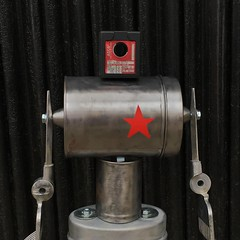 Recycled metal robot (gille monte ruici) Tags: metal star robot diy handmade assemblage foundobjects recycling bots doityourself invention redstar recyclage robotssculpture upcycling recycledmetalart foundartrobot homemaderobots gillemonteruici recycledassemblage hijackingobjects