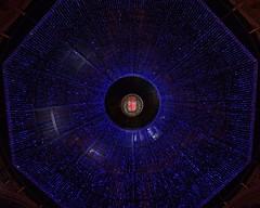 L'errance de la licorne rose (Emmanuelle2Aime2Ailes) Tags: milan lumires plafond guirlandes galerieemanueleii