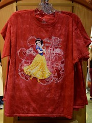 Disneyland Visit - 2016-01-17 - World of Disney - Princess Tees - Snow White (drj1828) Tags: california princess disneyland visit anaheim tee dlr downtowndisney 2016 worldofdisney