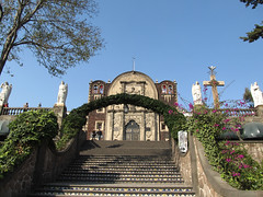 "Mexico City: la Chapelle de la Colline et les 4 anges <a style=""margin-left:10px; font-size:0.8em;"" href=""http://www.flickr.com/photos/127723101@N04/24795559454/"" target=""_blank"">@flickr</a>"
