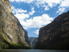 """Cañon del Sumidero <a style=""""margin-left:10px; font-size:0.8em;"""" href=""""http://www.flickr.com/photos/127723101@N04/25085633913/"""" target=""""_blank"""">@flickr</a>"""