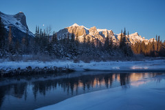 canmore rocky mountain (Donald L.) Tags: winter light sky moon ice sunrise landscape glow alberta canmore bowriver canadianrockymountains icyriver