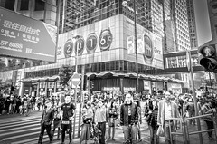 Moment Before 2016 - Central, Hong Kong (, ) (dlau Photography) Tags: life street city trip travel vacation people urban white black hongkong sightseeing central lifestyle style before newyear tourist local moment    visitor soe   resolutions 2016