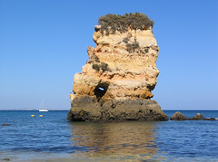 Lagos - Algarve - Portugal (Been Around) Tags: sea mer praia beach portugal meer europe mare travellers eu lagos algarve plage atlanticocean oceanoatlntico barlavento img0767 concordians thisphotorocks praiadadonaana worldtrekker regiodoalgarve