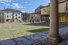 Plaza del Grano (Basilio Ayerza) Tags: plaza espaa spain len grano empedrado