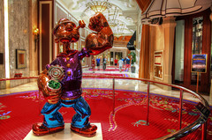 Las Vegas: Popeye (Lee Nichols) Tags: photoshop hotel lasvegas scenic casino wynn hdr highdynamicrange popeye lasvegasboulevard wynnlasvegas lasvegasstrip wynnhotel photomatix tonemapped tonemapping handheldhdr canoneos600d