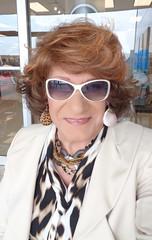 The Modern Woman Shopper (Laurette Victoria) Tags: woman sunglasses shopping necklace auburn milwaukee mayfairmall animalprint laurette