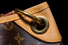 The Handbag (SLX_Image) Tags: macro bag lens photography other handbag louisvuitton sonstige macromondays backbackground tokinaatxpromacro100mmf28d