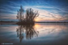 A day draws to a close ... Lake Wissel (nigel_xf) Tags: longexposure blue sunset sky lake island see evening abend nikon sonnenuntergang natur himmel insel blau nigel spiegelung naure abendhimmel refection langzeitbelichtung abendstimmung niederrhein wissel kalkar refexion kreiskleve wisselersee nigelxf lakewissel vsfototeam nikond750