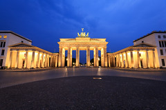 Deutschland ist stark 053 (Cycle the Ghost Round) Tags: city blue urban berlin beautiful yellow sunrise germany deutschland dawn amazing perfect colorful gorgeous awesome stunning bluehour brandenburgertor incredible canonef1635mmf28lusm thebrandenburggate canon5dmarkiii