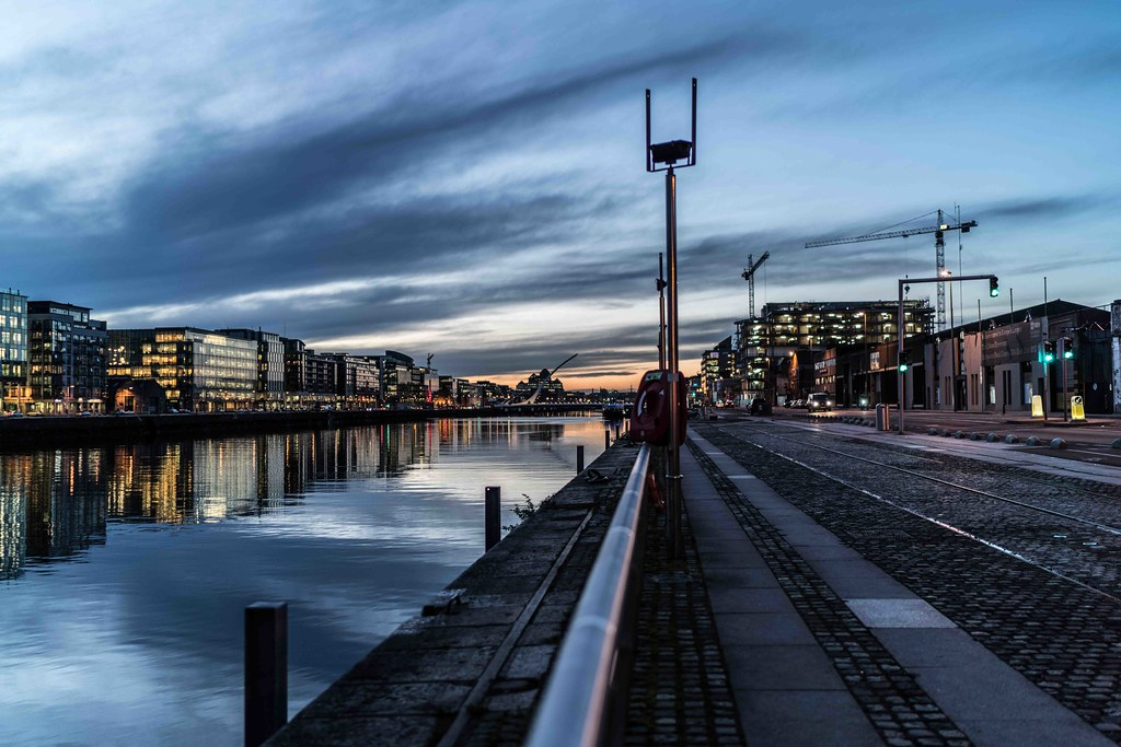 DUBLIN DOCKLANDS AT NIGHT [JANUARY 2016]-110791