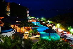 Pacfica (cielopedernal) Tags: ocean sea beach colors pool mxico landscape mexico lights luces mar view playa paisaje colores zihuatanejo ixtapa guerrero alberca pacfica