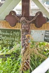 Aqui te espero (Momoztla) Tags: mexico cruz panteon abandono telaraña ixtapaluca momoztla