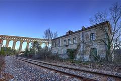 L'ancienne gare de Roquefavour et l'aqueduc. (minougilou) Tags: train gare provence aqueduc