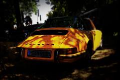Porsche 911 (van der Hulst design) Tags: shadow classic yellow days schloss dyck posche