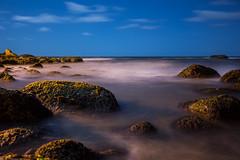 STONES (Alberto Nogueira Jr) Tags: ocean blue nature beauty azul stars mar sand nightshot areia stones natureza estrelas beleza pedra oceano albertonogueira fotosalbertonogueira