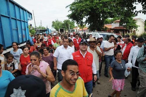 Recorre Javier Duarte zonas afectadas 1