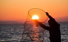 (nalan.incekara) Tags: sunset sun boat human insan manzara gnbatm gne kayk vew