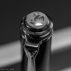 Pelikan Souvern M600 Cap Jewel (kitchener.lord) Tags: blackwhite pelikan pens 2016 m600 xf27