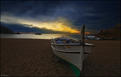 Horizonte dorado. (antoniocamero21) Tags: color marina mar barca foto sony paisaje girona amanecer cielo catalunya horizonte tossa