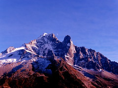 Rencontre insolite Soleil et lune  Moon meets sun Chamonix Mont Blanc (CHAM BT) Tags: autumn sunset sun moon mountain snow rose rock montagne lune automne soleil force coucher happiness neige rocher joie contemplation immensite