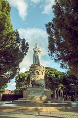 """Alfonso I """"El Batallador"""" (Juanedc) Tags: park parque sculpture statue spain europa europe zaragoza escultura aragon estatua saragossa parquegrande bigpark espaa alfonsoelbatallador alfonsoidearagon"""