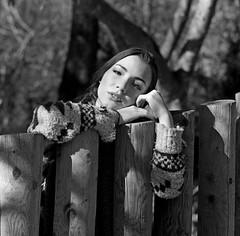 L'évocation d'un souvenir fait du bien quand on ferme les yeux et fait pleurer quand on les rouvre (lizardking_cda) Tags: hasselblad moyen medium format film ilford delta400professionaldp400 portrait model shooting beautiful belle woman femme fille girl nissa nice côte azur france riviera colline hill sea mer méditerranée forest forêt parc park vaugrenier tree leaves feuilles arbre nature jambes legs chercherlafemme eoshe glamour bois wood cold froid robe dress jupe skirt jean coat manteau scarf trench écharpe sexy analog sensuelle sensual melancholy mélancolie tristesse sadness love amour grimper climb nb bw