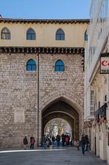 Puerta de Santa María (vista posterior) (Julián Martín Jimeno) Tags: nikon medieval fortaleza burgos muralla 2016 castillayleon d7000