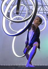 Dance Meeting Lucca (gs65photos) Tags: shop zeiss sony lucca negozio vetrina 7r dancemeeting batis25