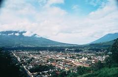 Guatemala 2015 (Mundo Kela) Tags: color colour analog america landscape guatemala slide september agfa septembre 100asa analogica landsape analgico setembre ctprecisa 2015