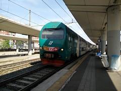 TAF N.90 SFM7 4767 a Lingotto FS (simone.dibiase) Tags: train torino n trains porta alta 90 treno linea numero nuova stato metropolitano trenitalia lingotto treni servizio dello taf ferroviario ferrovie regionale frequentazione 4767 xmpr livrea