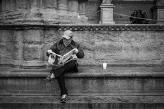Florence I Italy (Javier Zapatero) Tags: street portrait blackandwhite italy coffee caf photography three newspaper florence blackwhite italia fuji reader candid streetphotography florencia firenze streetphoto fotografia morningcoffee selfie urbanphotography candidportrait callejera xt1 streetreader zapaphoto