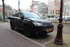 An electric Outlander (Davydutchy) Tags: auto holland netherlands car amsterdam electric canal capital hauptstadt nederland plugin hybrid paysbas charge mitsubishi niederlande gracht recharge outlander hoofdstad electrische