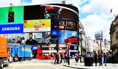 I`m back.....;-) (SpitMcGee) Tags: uk bus london laut piccadillycircus explore bunt 84 touristen reklametafeln spitmcgee