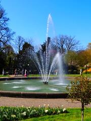 Fontne in der Flora (Sophia-Fatima) Tags: fountain deutschland nrw fontne klnriehl klnerflora