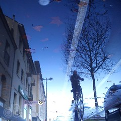 Wet #01 (c-dr-c) Tags: wet water rain puddle eau upsidedown bordeaux pluie reflets reflects flaque mouill lenvers