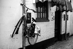 Inge Hoogendoorn (ingehoogendoorn) Tags: blackandwhite bike bicycle zwartwit streetphotography bikes denhaag blacknwhite thehague fietsen fiets horeca bikeparking steeg straatfotografie dutchbikes