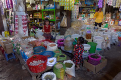 Epicerie (SchoonbrodtB) Tags: cambodge cambodia kambodscha market som march takeo picerie greengrocer camboya kampucha angtasom angta