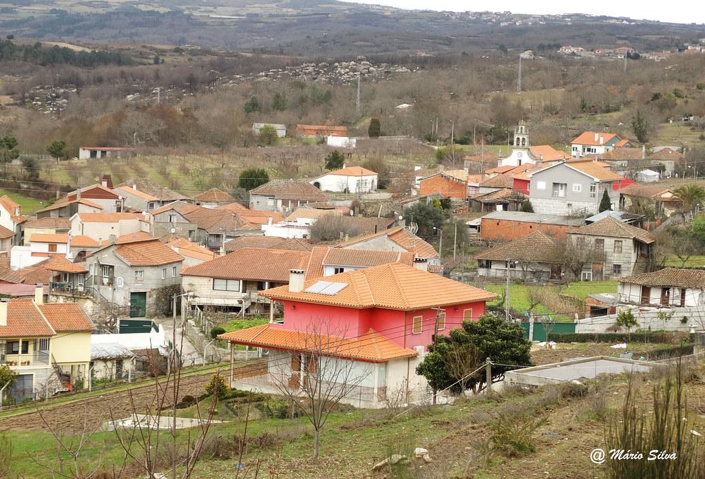Águas Frias (Chaves) - ... vista da Aldeia ...