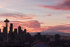 And then came sunrise... (Brendinni) Tags: seattle pink blue red color weather skyline clouds sunrise washington mountrainier rainier spaceneedle cloudporn keyarena seattlewa mountrainiernp skyviewobservatory