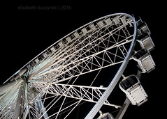 you spin me right round (:Elizabeth:) Tags: night ferriswheel skywheel 5feb16 day36366 366the2016edition 3662016 lookwayyyup
