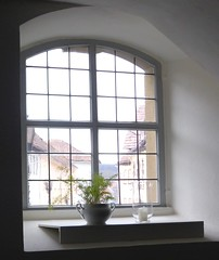 (:Linda:) Tags: church window germany bavaria town candle franconia flowerpot badrodach